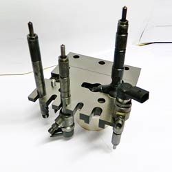 Injector Holding Fixture